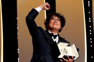 Phim mới của đạo diễn 'Quái vật sông Hàn' giành giải Cành cọ vàng