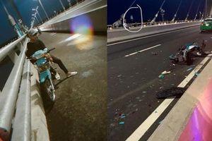 Đăng status thất tình, trẻ trâu phóng xe vào làn ô tô trên cầu Vàm Cống tông taxi