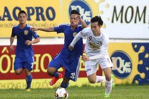 Vòng 11 V-League: TP.HCM nới rộng khoảng cách, Quảng Nam rơi xuống bét BXH
