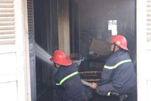 Lâm Đồng: Cháy lớn ở nhà kho nuôi thử nghiệm giống tằm