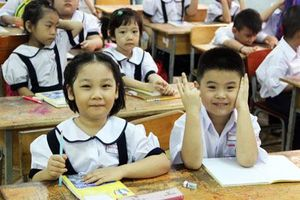 Trẻ em 'đói' giáo dục của chính gia đình