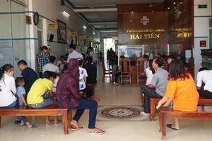 Thanh Hóa: Gần 50 du khách nhập viện sau khi ăn hải sản