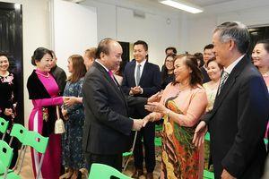 Thủ tướng gặp gỡ cộng đồng người Việt Nam tại Na Uy