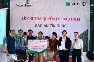 Vietcombank-Cardif chi trả gần 2,7 tỷ đồng quyền lợi bảo hiểm cho khách hàng ở Quảng Ngãi