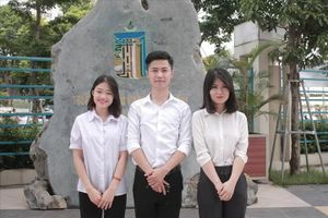 Bí quyết thi quốc tế của nhóm sinh viên 'nhà nghèo' ĐH Kinh tế Quốc dân