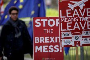 Thủ tướng Anh ra đi, Brexit thêm rối ren?
