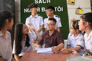Bài tập về nhà của thầy giáo Ngữ văn làm 'lung lay' cộng đồng mạng