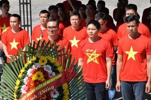 Đoàn thanh niên Bộ Ngoại giao hành trình về nguồn các 'địa chỉ đỏ' miền Trung