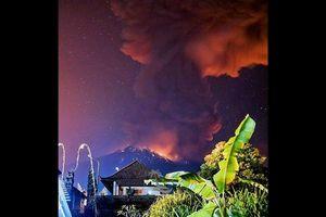 Indonesia hủy hàng loạt chuyến bay do núi lửa phun trào trên đảo Bali