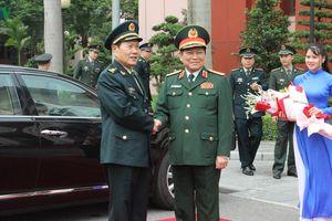 Hai Bộ trưởng Quốc phòng Việt Nam và Trung Quốc hội đàm