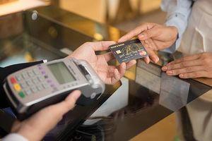Những lưu ý để giao dịch an toàn với thẻ ngân hàng