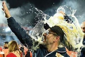 Cảm xúc vỡ òa của đội bóng lần đầu thăng hạng Bundesliga