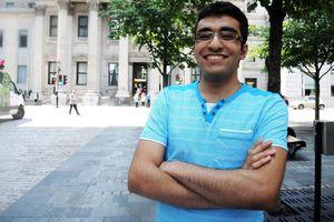 Chàng trai 20 tuổi biết 19 ngôn ngữ nhờ tự học