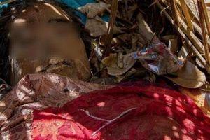 Ngôi làng kinh dị: 'Nhốt' xác chết cạnh gốc 'cây thiêng' và ngôi đền cổ