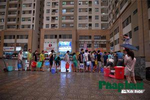 Khu đô thị Tân Tây Đô, Hà Nội: Kì lạ, người dân xếp hàng ngày, đêm chờ lấy nước