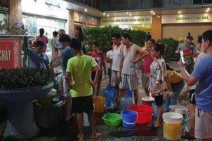 Gần 10 nghìn cư dân Thủ đô 'khát' nhiều ngày được cấp nước