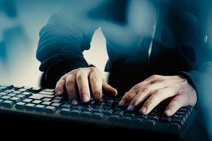 Thiếu niên 13 tuổi hack máy chủ Apple được tòa tha bổng
