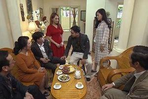 Khải say rượu đánh Huệ ngay trước mặt gia đình vợ trong tập 33 'Về Nhà Đi Con'