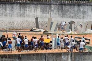 Bạo loạn trong tù ở Brazil, 42 tù nhân bị siết cổ đến chết
