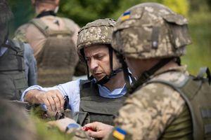 Tân Tổng thống Ukraine có chuyến đi đầu tiên đến vùng chiến sự ở Donbass