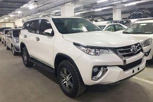 Toyota Fortuner nhập khẩu khan hàng, bản lắp ráp sắp xuất trận