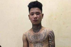 Hà Nội: Thanh niên xăm trổ tông gục CSGT trên Quốc lộ 32