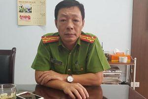 Hà Nội: Trưởng CA quận giải cứu thành công người phụ nữ tưới xăng dọa tự thiêu