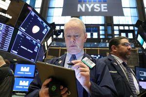 Chiến tranh thương mại phủ bóng, chứng khoán Mỹ không tăng nổi