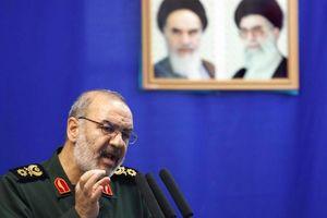 Ông Trump hạ giọng, Tư lệnh Iran tuyên bố sức mạnh tuyệt đối