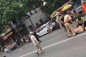 Hà Nội: Bắt giữ đối tượng cố tình lái xe máy đâm trung úy cảnh sát