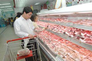 Cấp đông, dự trữ thịt lợn để bình ổn thị trường