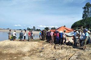 Nghệ An: Thương tâm 5 học sinh lớp 8 đuối nước khi rủ nhau đi chơi
