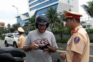Đà Nẵng tăng cường kiểm tra người nước ngoài tham gia giao thông