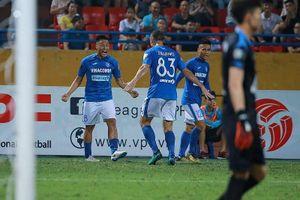 Mạc Hồng Quân tỏa sáng giúp Than Quảng Ninh giành 1 điểm trước Viettel