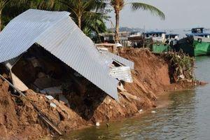 Sạt lở nghiêm trọng ngay trong mùa khô, đồng bằng Sông Cửu Long 'kêu cứu'