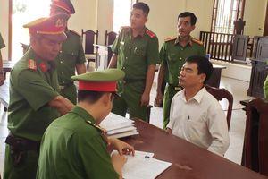 Bắt giam tại tòa cựu giảng viên đe dọa 'đã mài dao' giết hiệu trưởng