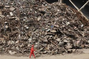 Trung Quốc hạn chế nhập kim loại phế liệu