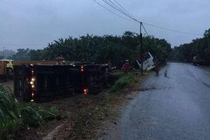 Liên tiếp 2 vụ tai nạn tự ngã trên QL2C do đường trơn