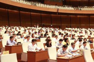 Quốc hội thảo luận về tình hình phát triển kinh tế - xã hội