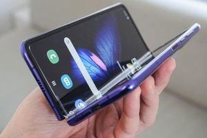 Samsung tiếp tục 'lùi' ngày bán Galaxy Fold để khắc phục lỗi