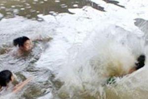 Tìm thấy thi thể người phụ nữ bị nước mưa cuốn trôi