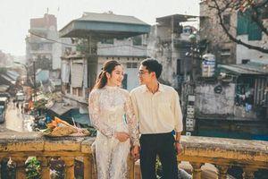 Đôi trẻ mượn quần áo bố mẹ chụp ảnh cưới thời bao cấp cực 'chất'