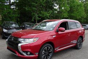 Mitsubishi Outlander tại Việt Nam bị triệu hồi do lỗi phanh đỗ phía sau