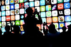 Khám phá nhóm 'quyền lực' quyết định ứng dụng trên iPhone