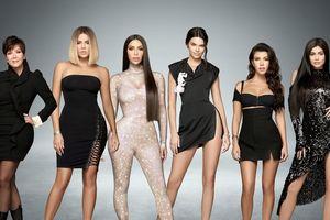 Phụ nữ nhà Kardashian đã 'khuynh đảo' thời trang thế giới ra sao?