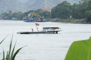 Va chạm lớn giữa sông Đáy, 1 tàu bị chìm