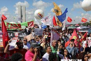 Brazil đối mặt nguy cơ rơi vào một cuộc suy thoái kỹ thuật