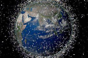 Rủi ro từ 5.000 vệ tinh đang 'bao vây' trái đất