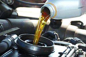 Định kỳ thay dầu động cơ ô tô cũ có giống xe mới?