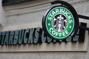 Starbucks gây quỹ xây xưởng chơi cho trẻ em dân tộc Thái ở Hòa Bình